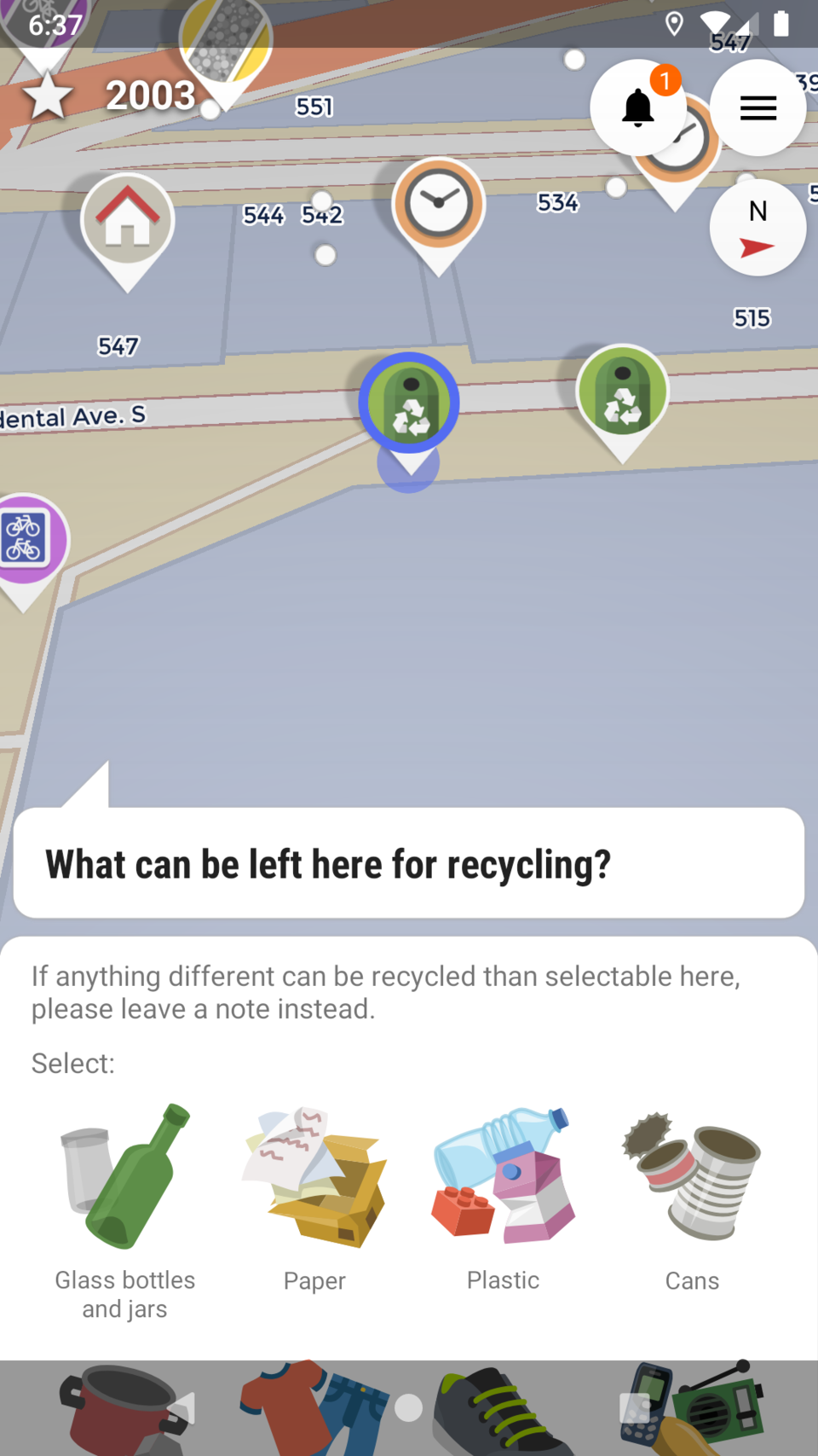 Screenshot of StreetComplete asking you what can be recycled at a recycle bin.